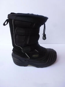 Baffin Boys Winter Boots  Size 2     $45      Midland & Sheppard