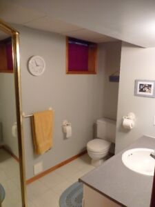 North End Apartment - Quiet Area - February 1st