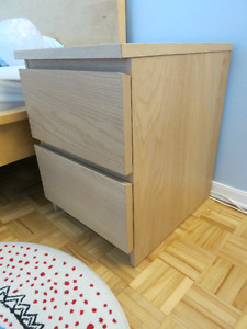 Amazing bed chest to sell
