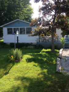 Grand Bend Cottage for rent  May and June only