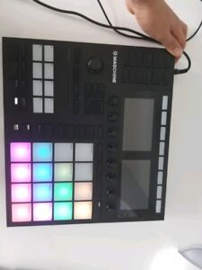 Maschine MK3 with software included