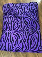 Twin comforter and matching pillow case