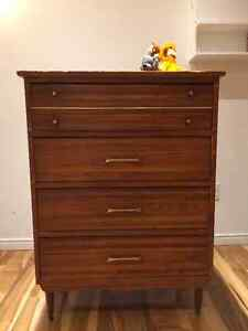 Armoire Antique en bois / Vintgage Wood commode (drawers)
