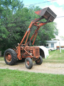 Antique Tractor 1953 WD-6 International