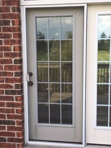 LARGE PATIO/DECK DOORS  WITH SCREEN SLIDER WITH ABOVE WINDOW Stratford Kitchener Area image 4