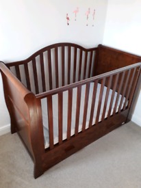 Two piece VIB Cot bed and dresser/changer
