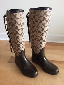 Gorgeous Coach Boots - size 5 *NEW*