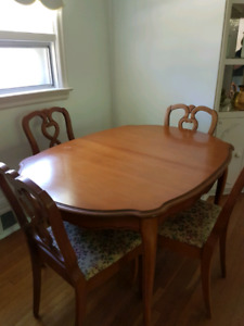 Compact solid wood Dining room suite