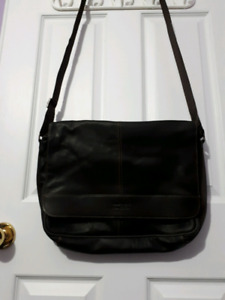 Kenneth Cole Leather Laptop Bag