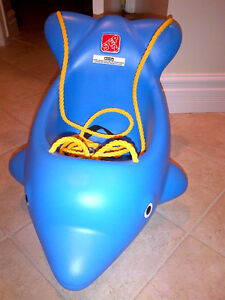 Summer Fun with Dolphin Swing by Step 2 in MINT CONDITION!