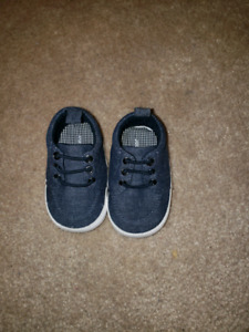 Baby boy size 1 shoes brand new condition