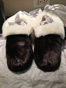 Ladies sealskin slippers
