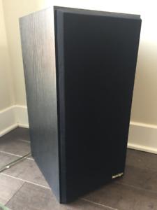 Vintage 90s Paradigm Speakers model 5SE Black made in Canada