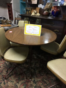 VINTAGE 1960'S TABLE SET IN AS NEW CONDITION.  WHAT A FIND!!!