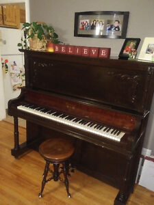 Free Morris Piano Excellent Condition