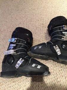 Full Tilt first chair ski boots 26.5, flex 4 tongues