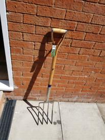 Bulldog Long Handle Digging Fork - PGDF32 New with tags