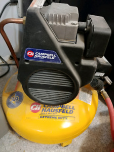 4 gallon Campbell Hausfeld pancake  oiless air compressor