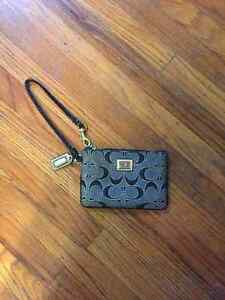 SMALL COACH WRISTLET - LONDON, ON AUTHENTIC