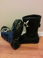Motorcycle Boots Sz 9 - Nearly New - Great for Fall/Winter!