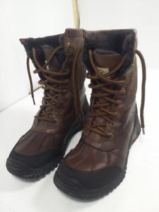 UGG - belles bottes d'hiver -femme taille 8 ou 39