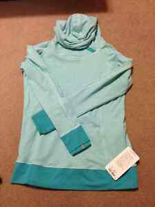 Lululemon tops for sale - sizes 10 and 12 London Ontario image 1