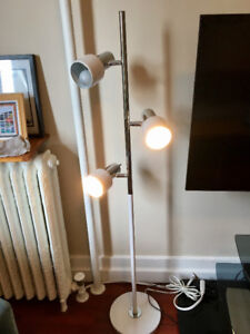Retro Mid Century Modern Floor Lamp - 3 lights - Chrome & White