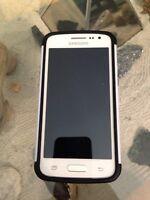 Téléphone Samsung  Galaxy  core LTE blanc