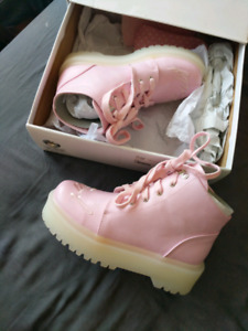 Baby pink YRU boots