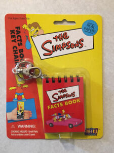 """THE SIMPSONS """"Facts Book Key Chain"""" (Fun-4-All)(2000)(MIP)"""