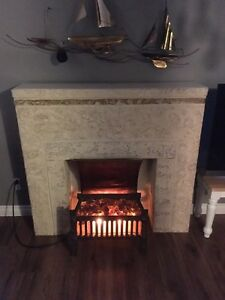 Electric fireplace w/mantle
