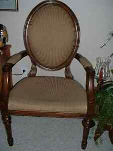 ANTIQUE STYLE CHAIR