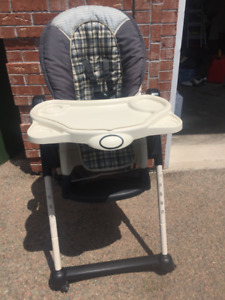Safety 1st High chair - wheels, multiple heights ++