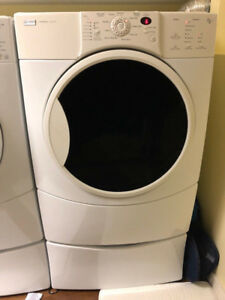 Kenmore Elite HE4 washer/dryer set on stands or stack-able