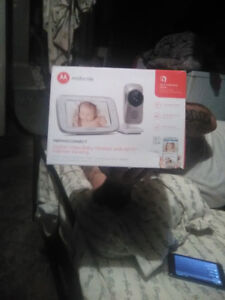 Motorola 5-Inch Video Baby Monitor with Wifi