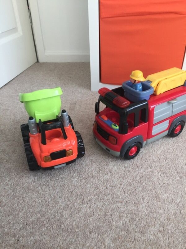 2 ELC vehicles with lights and sounds