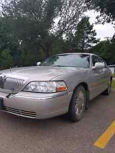 2007 signature limited Lincoln towncar