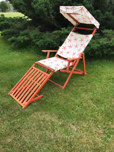 Vintage Folding Wooden Chaise Lounge