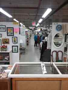 Canada's largest antique mall 600 booths to explore  Kawartha Lakes Peterborough Area image 2