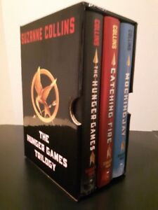 "COMPLETE TRILOGY SET OF ""THE HUNGER GAMES"""