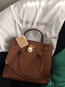 MICHAEL KORS LARGE SAFFIANO LEATHER HAMILTON TOTE