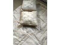 Laura Ashley Kayleigh Kingsize Throw in champagne and two cushions