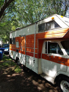 Working Motorhome Available for Cheap -- 1975 Dodge Sportsman!