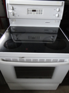 GE White Glass Stove Self Cleaning