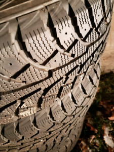 FS - 4 hankook I-pike 195/65/15 winter tires