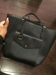 Micheal Kors black leather tote