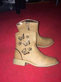 Girls boots brand new