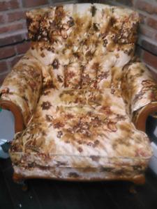Deux fauteuils antique