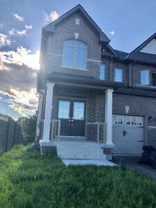 Beautiful Home for rent, back to gorgeous deep ravine lot