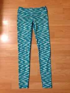 Ivivva Leggings size 10 (2 pair)